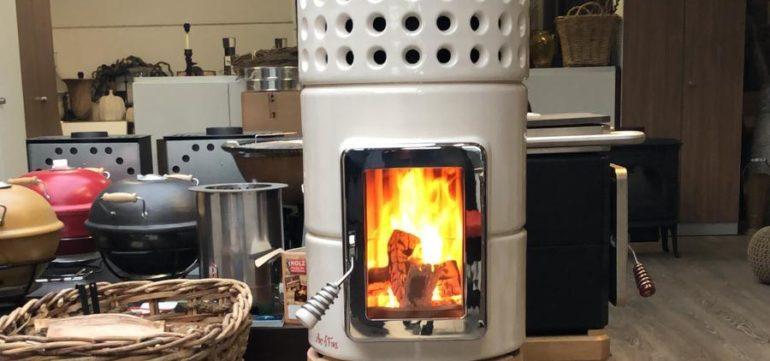 Een keramische kachel geeft warmte en huiselijkheid