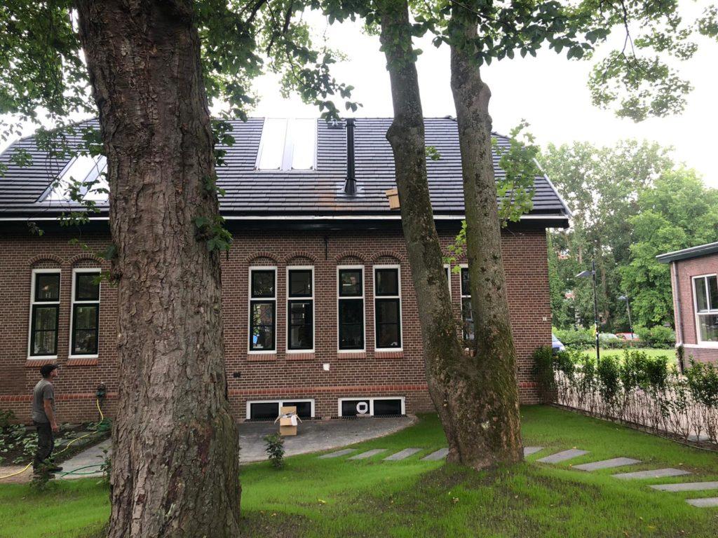 oude landbouwuniversiteit in Wageningen round stack kachel