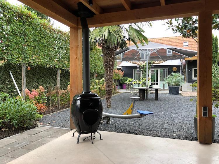 African Flame pothaard met rookkanaal onder veranda 2