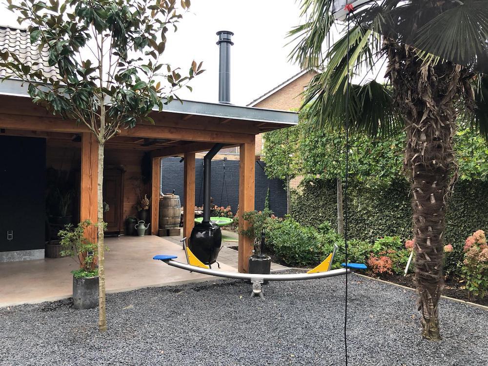 African Flame pothaard met rookkanaal onder veranda 4