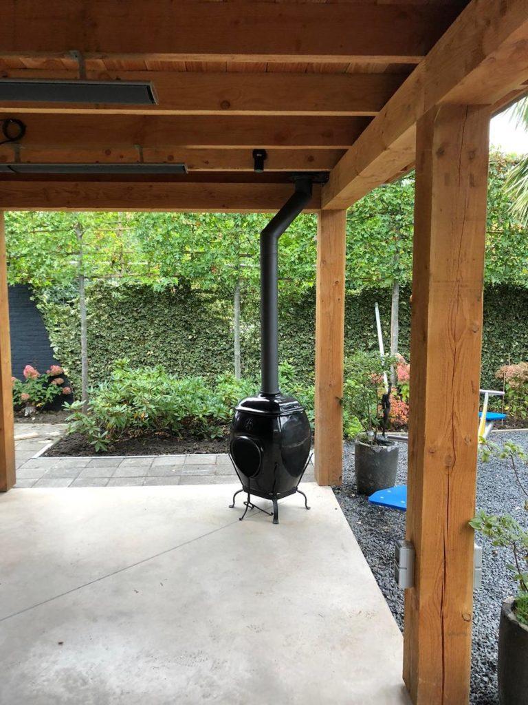 African Flame pothaard met rookkanaal onder veranda 5