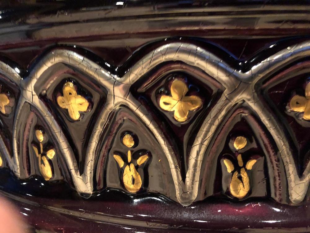 Rondo 1 st size , kleur aubergine met details in bladgoud en platina 3