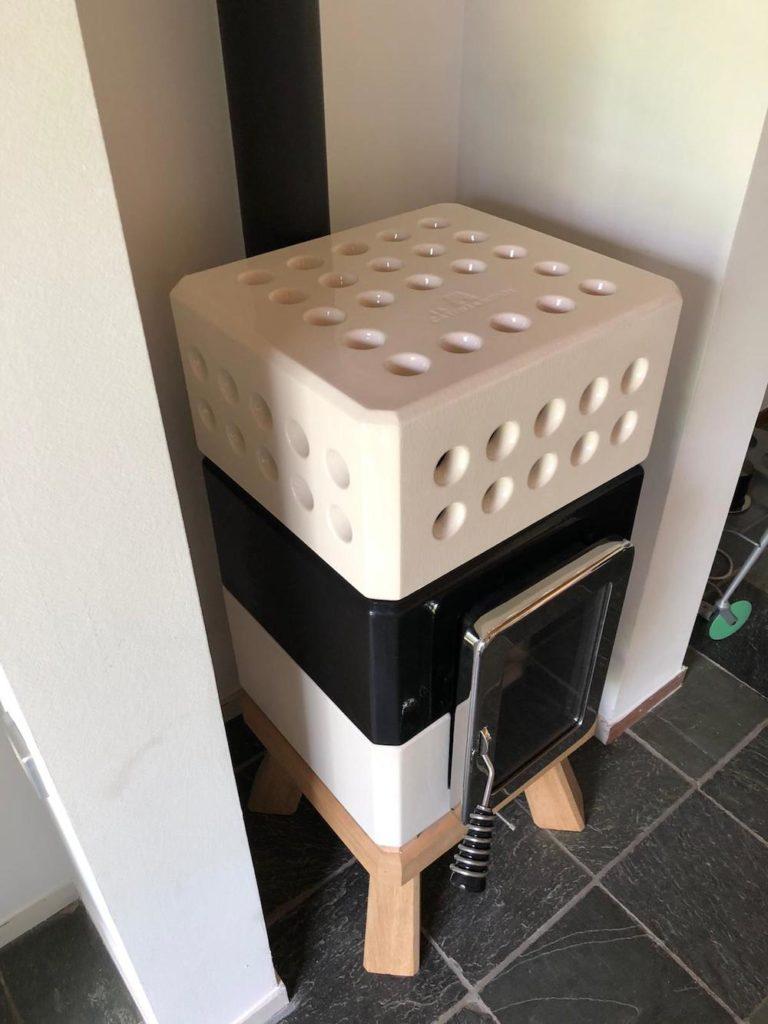 Mini stack white-black-white